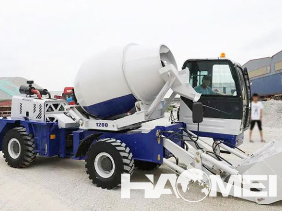 self loading concrete mixer price China
